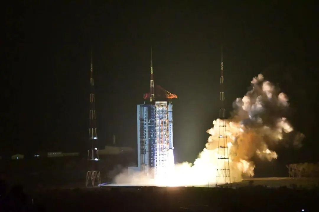 神十三凌晨发射!赵立坚送祝愿 首颗探日卫星发射